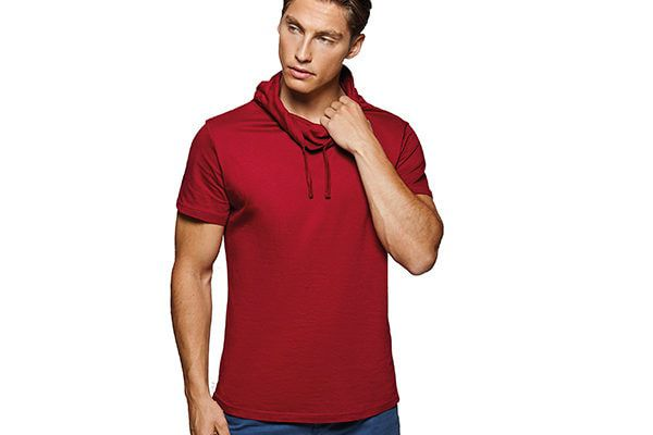 Man wearing red causal top and jeans